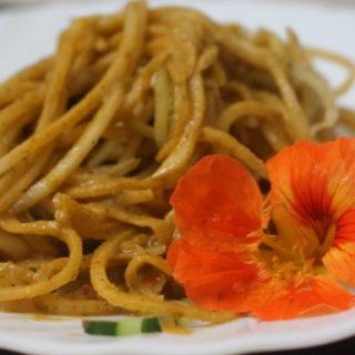 Rettich-Gurken-Spaghetti