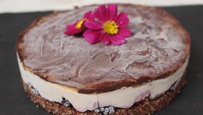 Erdnusscreme-Torte